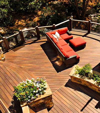 Deck Designer Centre - composite decking at Designer Showcase powered by Turkstra Lumber.